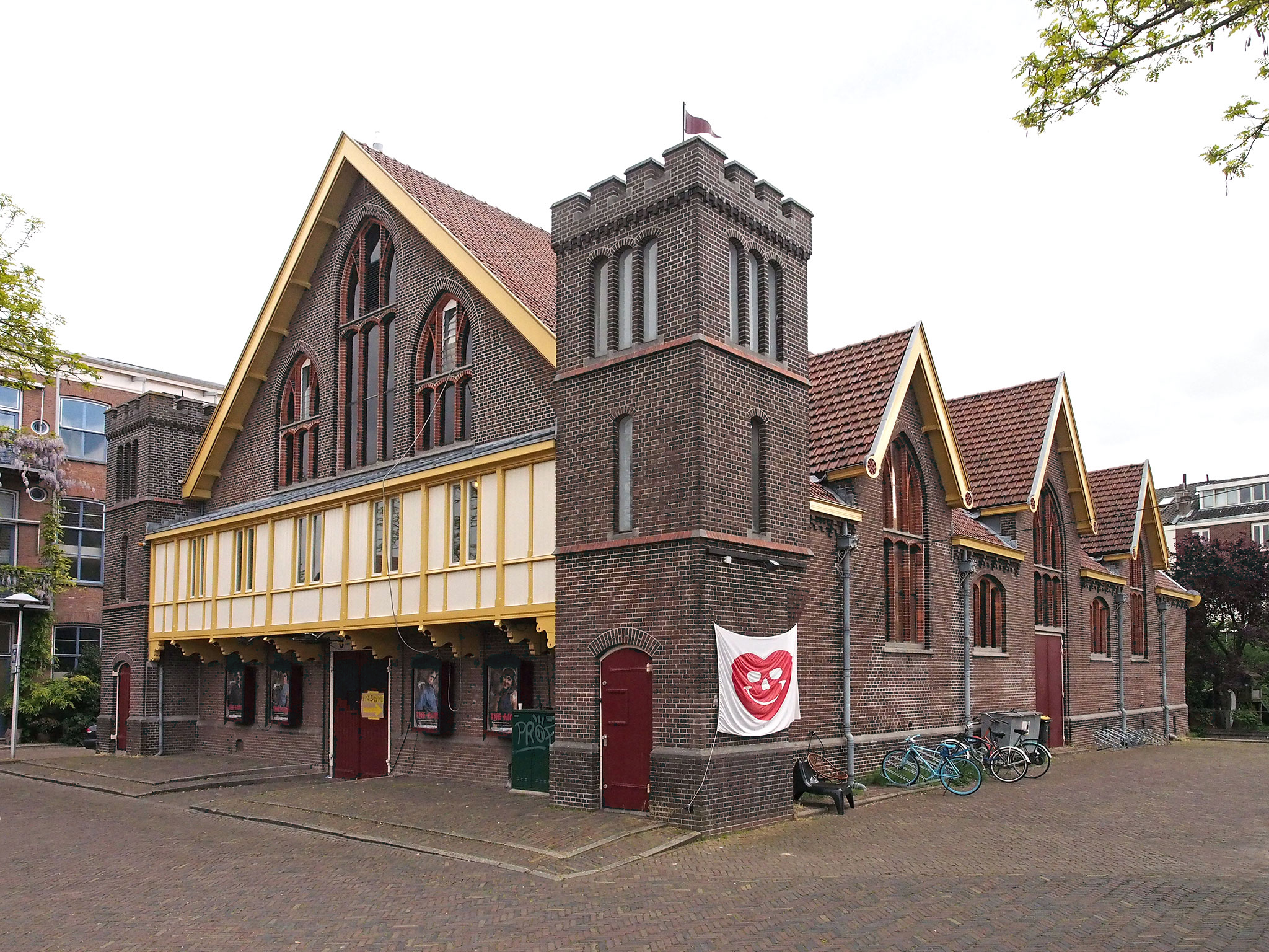de paardenkathedraal in 2017