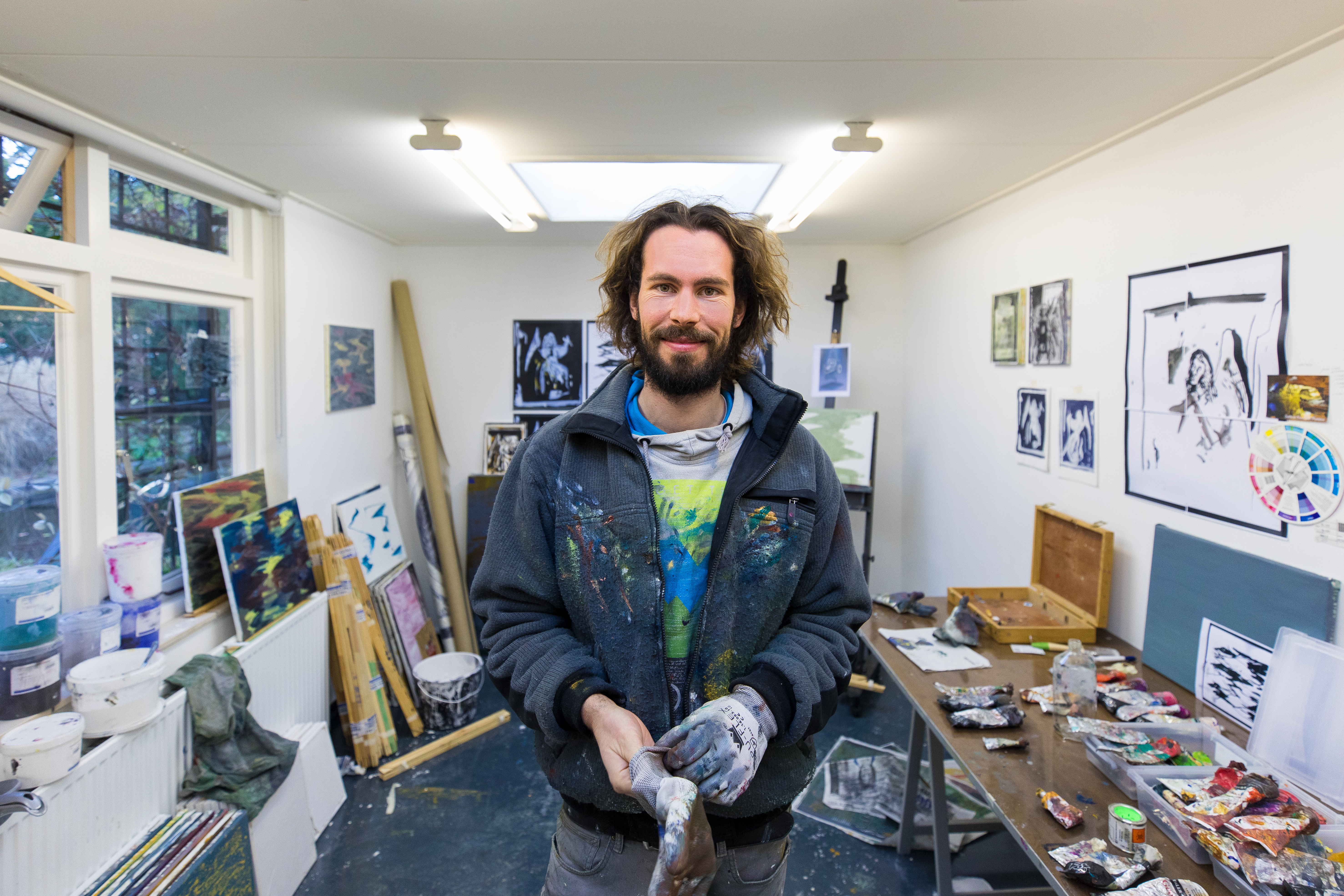 portret Mitchel Breed in het tuinatelier