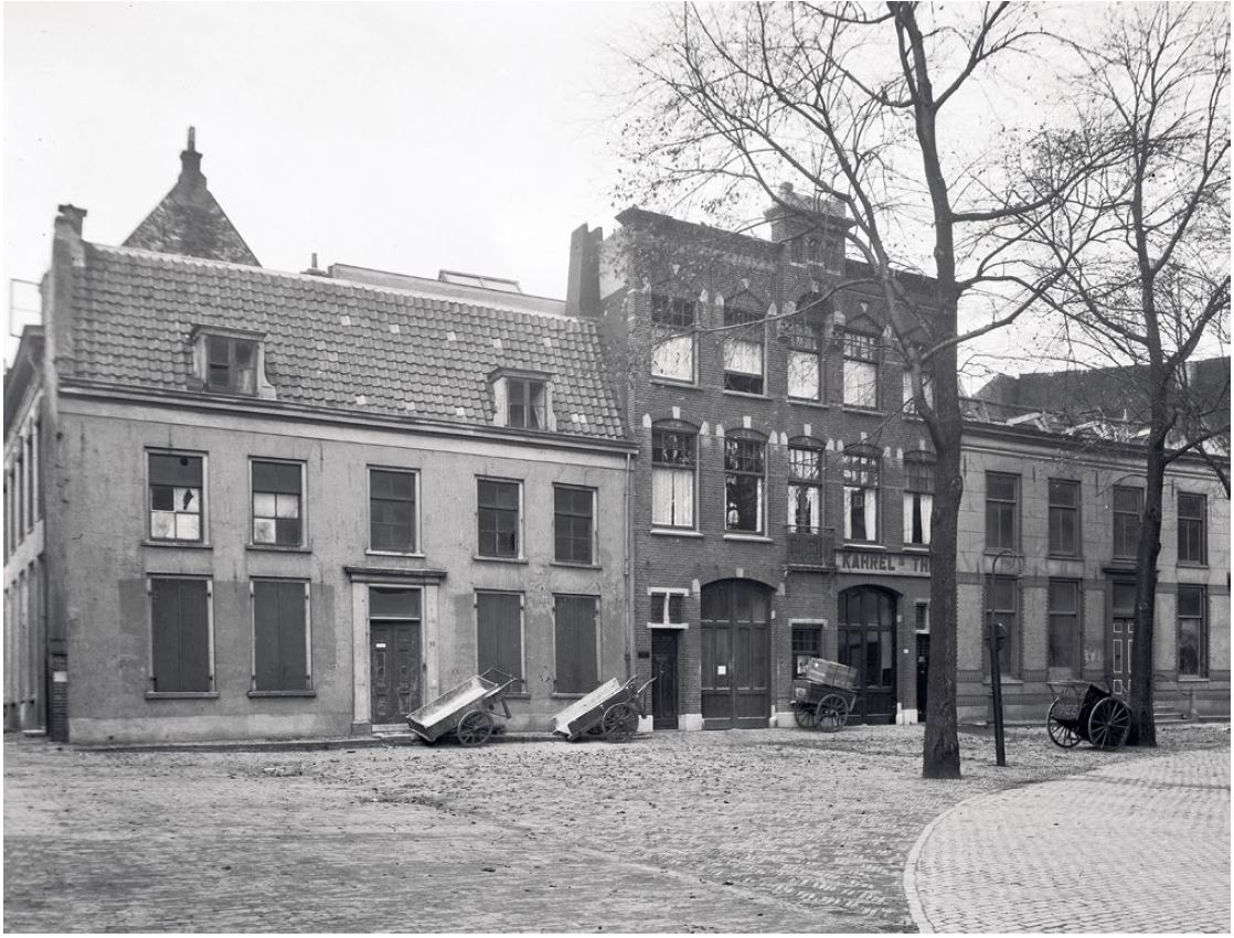 Domplein 8-10 in 1924